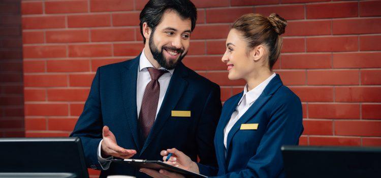 Como manter a sua equipe de hotelaria engajada?
