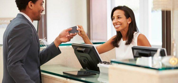 Tecnologia no setor hoteleiro: como acompanhar?